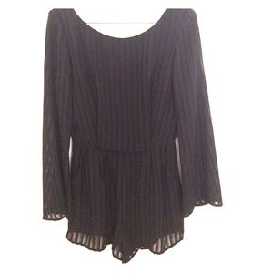 Dresses & Skirts - Black long sleeve romper size small