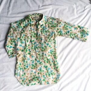 Tops - Floral printed button-down