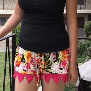 The DENEAH aloha lace shorts - DEEP PINK