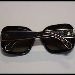 Chanel sunglasses  5270 C622/S9 Polarized