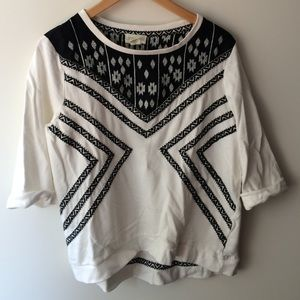 Tops - Lucy and Laurel black and white print sweatshirt