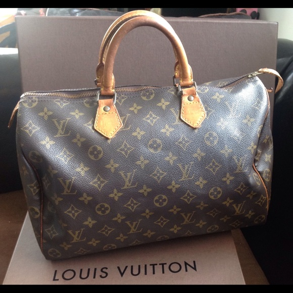 Louis Vuitton Handbags - 100%Authentic Louis Vuitton Mono Vintage Speedy 35 8ed3e6ab92e65