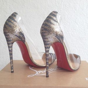 $600 Authentic Christian Louboutin Debout Size 37