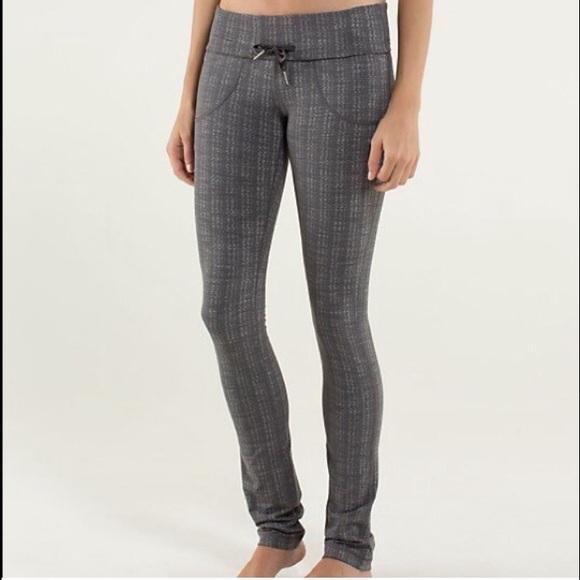 74bccb445 lululemon athletica Pants - Lulu Lemon size 6 zig zag gray skinny will  legging