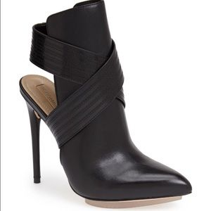 SOLDBCBG Max Azria Booties