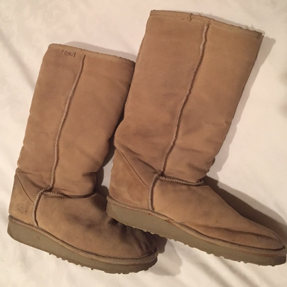 Emu wool lined ugg style boots in camel leather