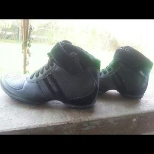 Shoes - Black wrk out shoes