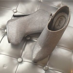 NWOB Silver platform stiletto booties