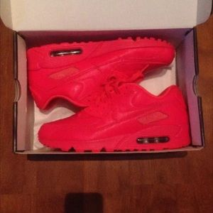 Air maxe Nike id red October infared size 10
