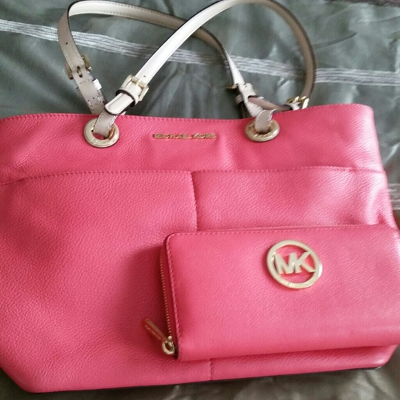 2d208e46d9a8 Michael Kors Bags | Authentic Watermelon Micheal Kors Bag And Wallet ...