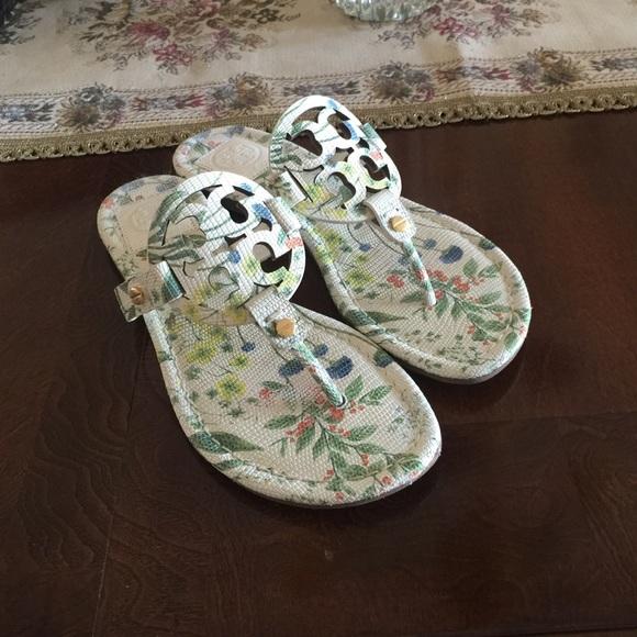 1fe6c0c3525 Tory burch miller logo sandals floral print. M 554e052e6e3ec2255c005b48