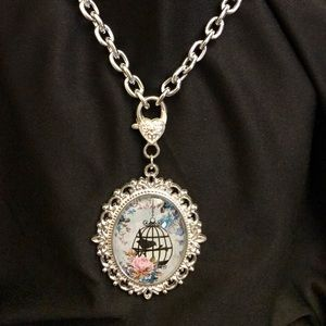 Accessories - Vintage Style Cameo Necklace
