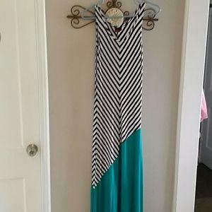 Dresses & Skirts - Fun maxi dress