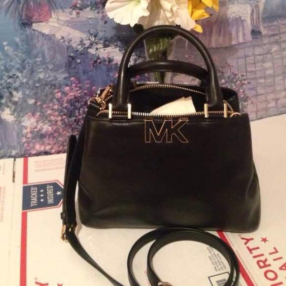 24720619607 Michael Kors Bags | Authentic Florence Small Satchel | Poshmark