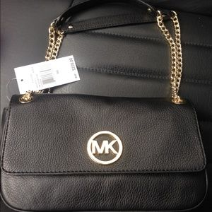 de7b53350d6c Michael Kors Bags - NWT black michael kors fulton shoulder bag