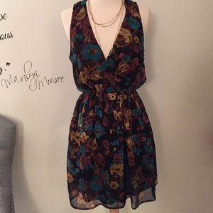 Forever 21 Dresses - Floral flirty and cute dress! 💞 Summertime Fine💐