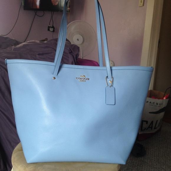 f7123fac1ee2 Coach Handbags - Baby Blue Coach tote