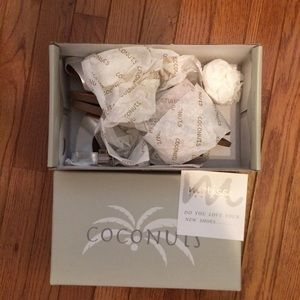 Coconuts Shoes - NWT neutral & metallic sandals ⚜