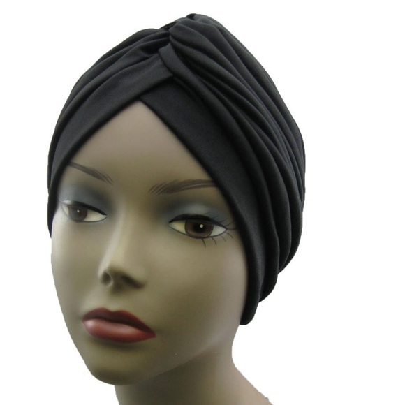 47 off h m accessories black turban from christine 39 s closet on poshmark. Black Bedroom Furniture Sets. Home Design Ideas