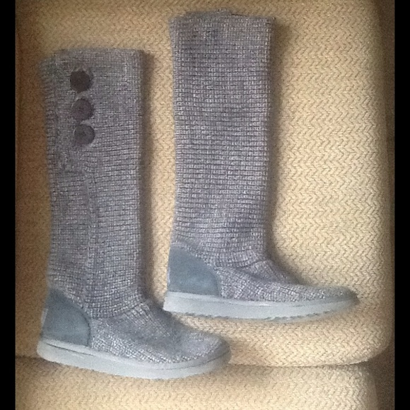 UGG TRIPLE BAILEY BUTTON KNIT SWEATER BOOTS sz 9