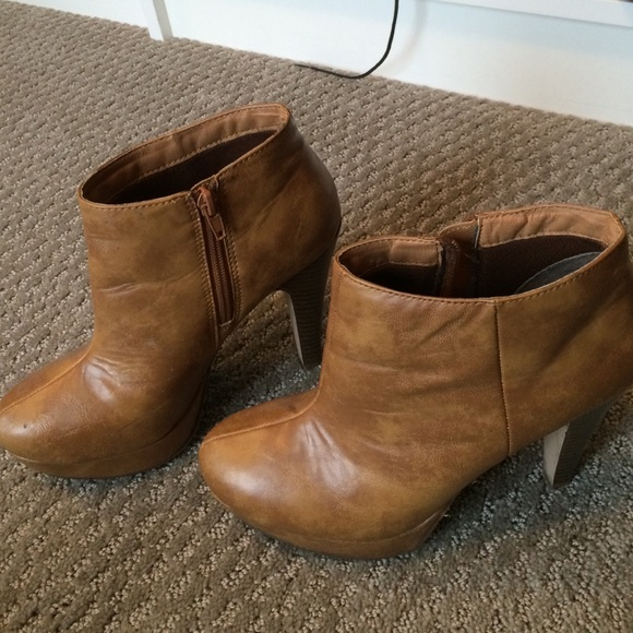 Madden Girl Shoes - Madden Girl camel platform bioties