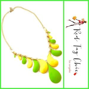 Gorgeous and colorful statement necklace