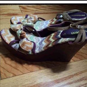Authentic Missoni purple/multi Wedges size 8