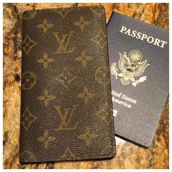 8a7bd2d8d380 Louis Vuitton Clutches   Wallets - 💕 VINTAGE Louis Vuitton Passport Wallet  Cover