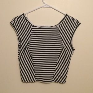 Black and white cropped tank