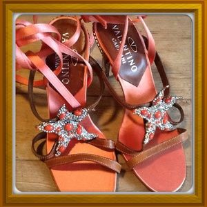 Valentino Shoes - 🎉HOST PICK🎉Valentino starfish sandals