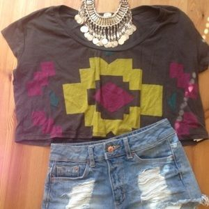 Tops - 💝LOVE crop top💝fits like a loose s-m