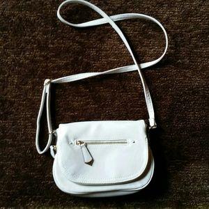 Apt. 9 cream purse
