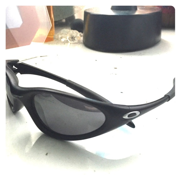 4529b11bc40 Authentic Oakley Sunglasses in Black Silver. M 5550fbcd6ba9e6061c00bfa0