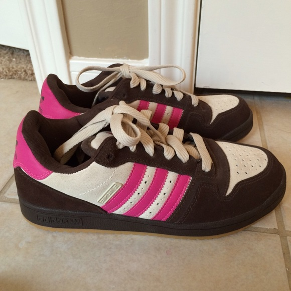New without tags Adidas Comptown ST