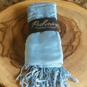 Ashley Cooper Accessories - Nwt pashmina/scarf