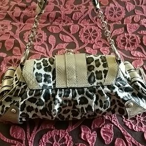 Guess Bags - GUESS Handbag/ SOLD IN STORE