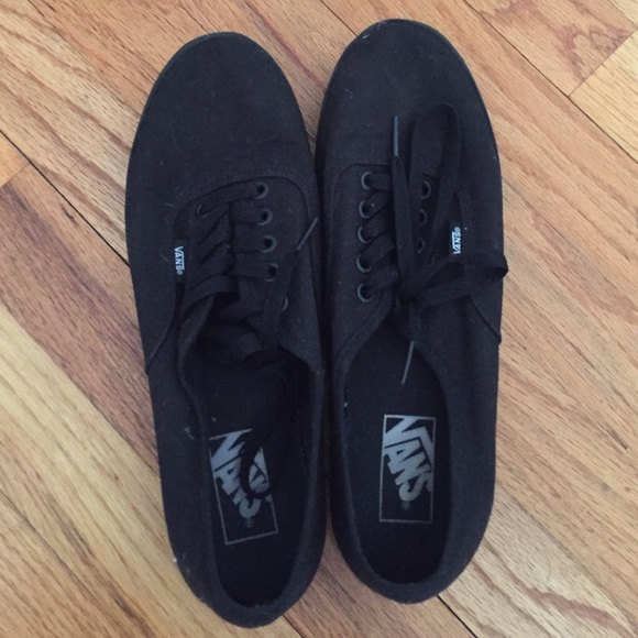 Vans - black vans lopro womens size 9.5 mens size 8 from Noelle's ...