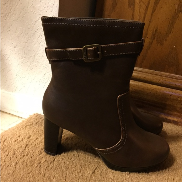 53 mudd shoes mudd brown boots from s closet