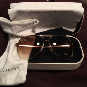 Marc Jacobs Accessories - Authentic Marc Jacobs Aviator Sunglasses