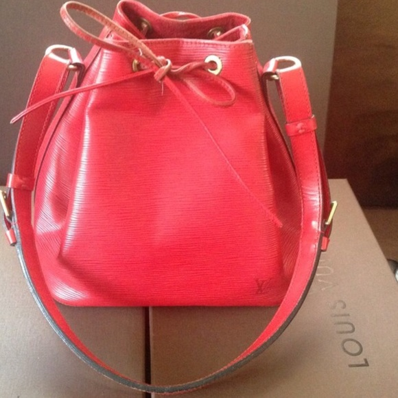 Louis Vuitton Handbags - Louis Vuitton Red Epi leather petit noe bucketbag 166edeefcef53