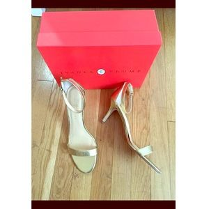 IVANKA Trump gold sandal heels size 9.5