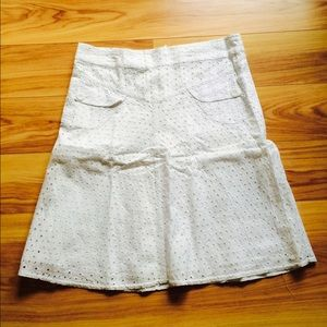 White skirt/ lace