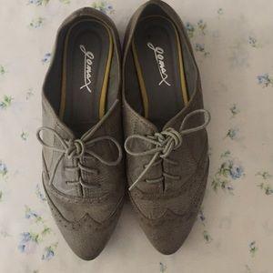 10$Grey vintage style oxfords