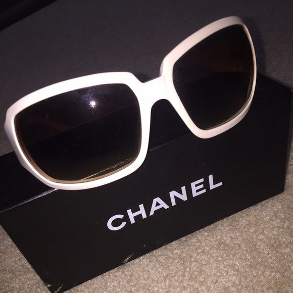 9da27d5912632 CHANEL Accessories - Authentic CHANEL white sunglasses w quilted sides