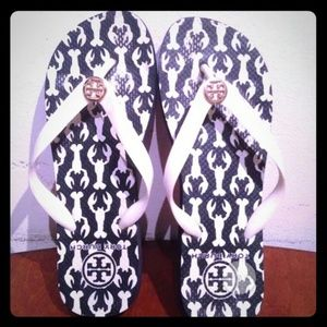 TORY burch Sz 8 flip Flops Great Shape