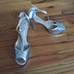 PROM SHOES. silver Marc Fisher!! Size 8