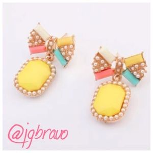 Jewelry - Weekend Sale 💥 Cute Yellow Bow Earrings