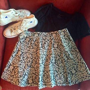 Dresses & Skirts - NWOT Black and Cream Textured Skater Skirt