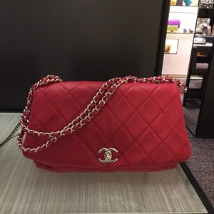Chanel flap bag lambskin!