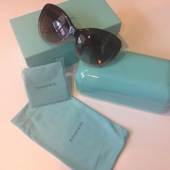 f118acbd152 Accessories - NWOT Tiffany   Co sunglasses